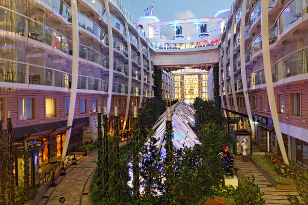 Central Park Allure Of The Seas Kreuzfahrtschiff Bilder