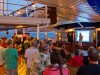 "Cruise Director Andreas' ""Welcome Aboard"" in der Tropical Bar"